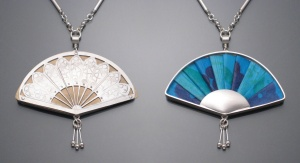 Two-sided Fan Necklace (Blue)